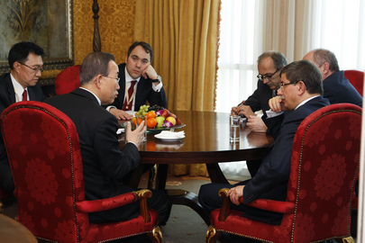 Secretary-General Meets Foreign Minister of Turkey in Doha