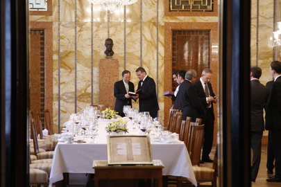 Secretary-General Attends Luncheon Hosted by Mayor of Prague