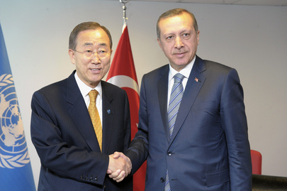 Secretary-General Meets Turkish Prime Minister at LDC Conference in Istanbul