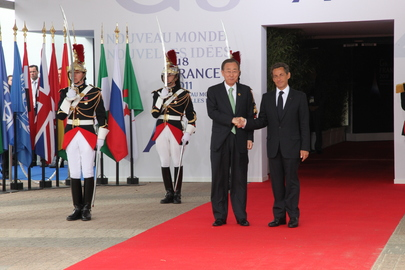 Secretary-General Meets French President at G8