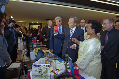 Secretary-General Visits Innovation Fair in Geneva