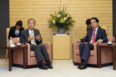 Secretary-General Meets Japanese Prime Minister in Tokyo