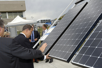 Secretary-General Tours Renewable Energy Lab in Denver