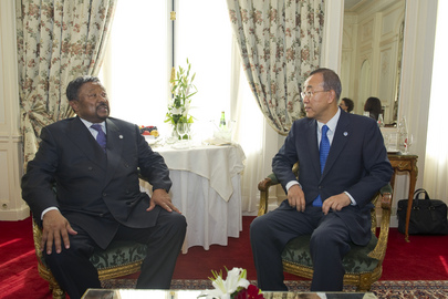 Secretary-General Meets A.U. Chief before 