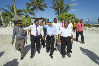 Secretary-General Views Effects of Climate Change on Kiribati