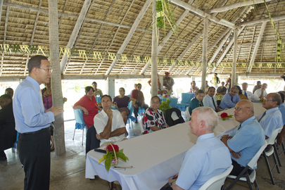 Secretary-General Attends Lunch Hosted by Kiribati's Speaker of Parliament