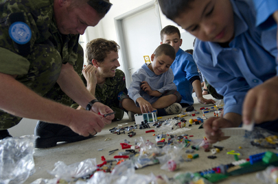 Lebanese Schoolchildren Receive LEGOs from UN Contingent
