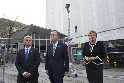 Secretary-General Visits Site of Norway Bomb Attack