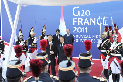 Secretary-General Greeted by French President at G20 in Cannes