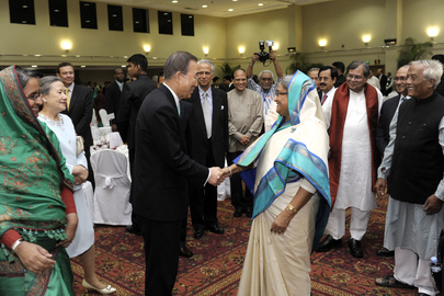 Secretary-General Arrives at State Dinner in Dhaka