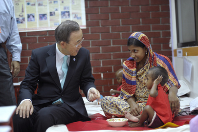 Secretary-General Visits Disease Research Centre in Dhaka