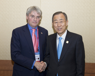 Secretary-General Meets U.K. Development Secretary in Busan