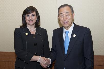 Secretary-General Meets Honduran Vice President at Aid Effectiveness Forum