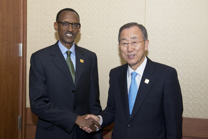 Secretary-General Meets Rwandan President at Aid Effectiveness Forum