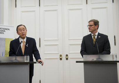 Secretary-General and German Foreign Minister Brief Press in Bonn
