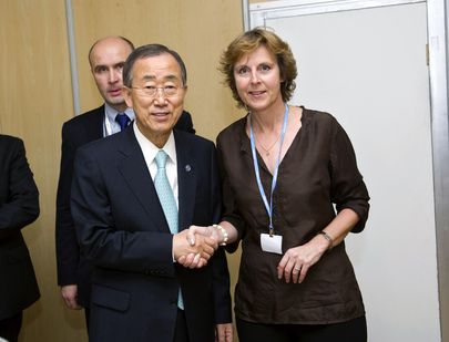 Secretary-General Meets E.U. Climate Action Commissioner in Durban