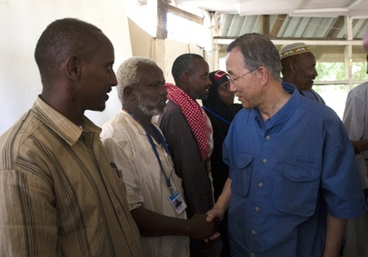 Secretary-General Meets Somali Refugee Leaders in Dadaab