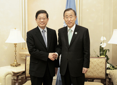 Secretary-General Meets Korean Prime Minister in Abu Dhabi