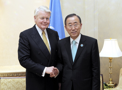 Secretary-General Meets President of Iceland in Abu Dhabi