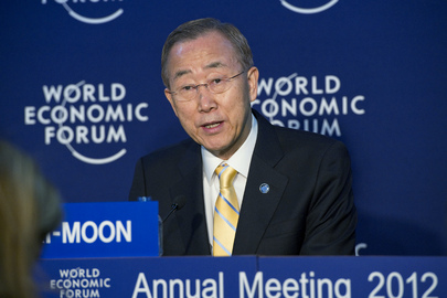 Secretary-General Briefs Media at Davos