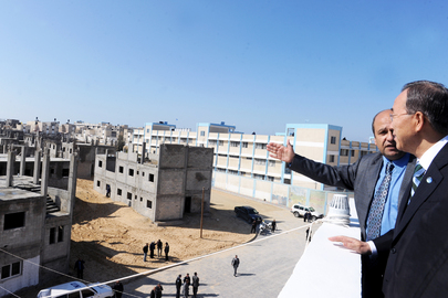 Secretary-General Visits Housing Project Site in Gaza