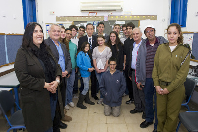 Secretary-General Meets Israeli Students Affected by Conflict