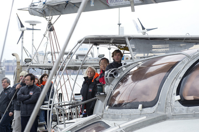 "Secretary-General Visits ""Tara"" Expedition Boat"