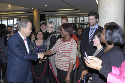 Secretary-General Meets IMO Staff in London