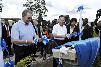 Secretary-General and IOC Chief Unveil Plaque at Zambia Youth Centre