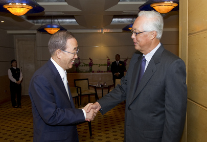 Secretary-General Meets Singaporean Senior Minister 