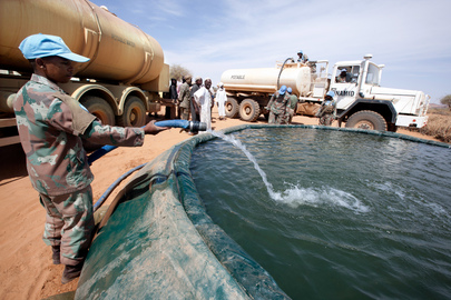 UN Peacekeepers Deliver Water to North Darfur Community