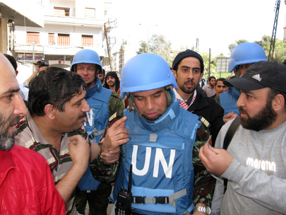 UN Observer Group Makes Rounds in Homs, Syria