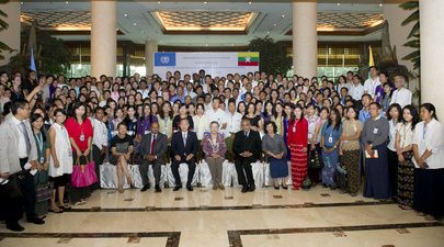 Secretary-General Meets UN Staff in Myanmar