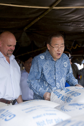 Secretary-General Sees UNODC-WFP Collaboration in Shan State, Myanmar