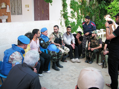 UN Observer Group Meets Opposition Members in El Karak, Syria