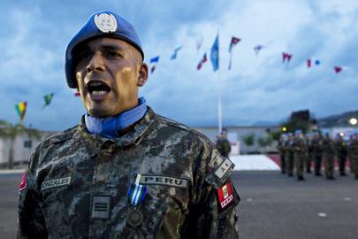 MINUSTAH's Peruvian Contingent Receives Medals