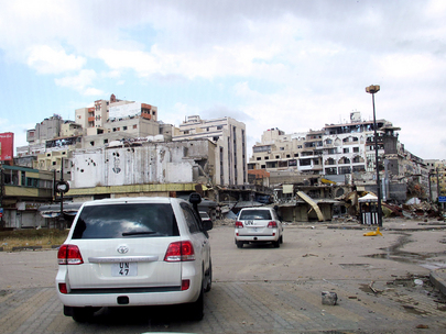 A view of the convoy as Major General Robert Mood, Head of the newly-established UN Supervision Mission in Syria (UNSMIS), leads an UNSMIS delegation to the Khalidiyyeh neighbourhood of Homs to meet opposition members. 03 May 2012 Homs, Syria