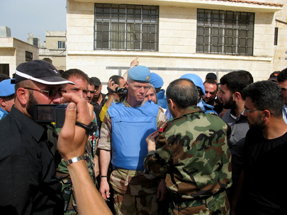 Chief Observer Meets Opposition in Al-Rastan, Syria