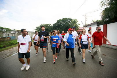 UNMIT Deputy and Timorese President Take Part in Annual Dili Marathon