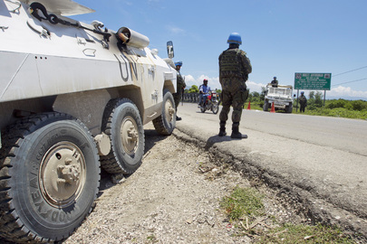 UN and Haitian Police Use Checkpoints for Illegal Weapons Search