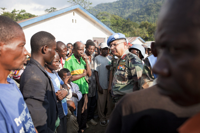 MONUSCO Force Commander Meets with Displaced Locals in North Kivu