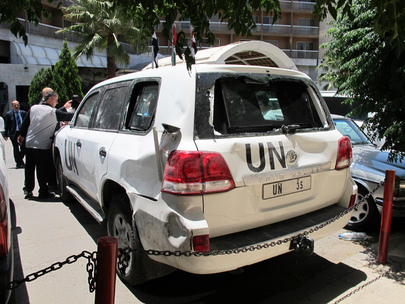 UN Convoy Attacked by Angry Crowd in El-Haffeh, Syria