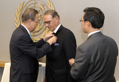 New Deputy Secretary-General Sworn In