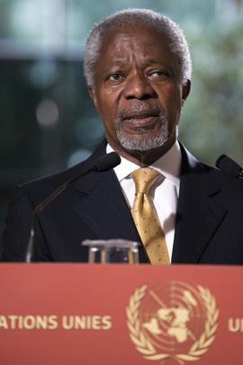 Kofi Annan, Enviado Especial da ONU e da Liga dos Estados Árabes para a Síria, fala com a imprensa em Genebra. (ONU/Jean-Marc Ferré)