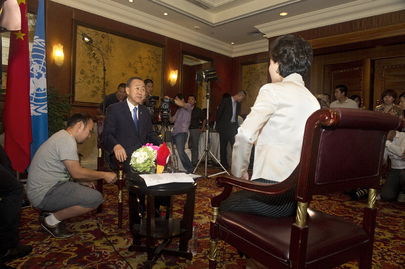 Secretary-General Converses Live With Weibo Followers During Visit To China