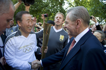 Secretary-General Takes Part in London Summer Olympics Torch Run