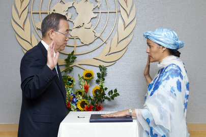 Secretary-General Swears in Special Adviser on Post-2015 Development Planning