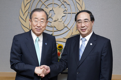 Secretary-General Swears in Under-Secretary-General for DESA