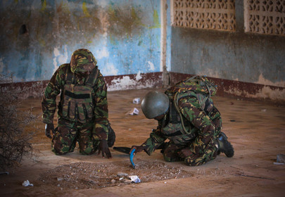 A.U. Troops Sweep for Explosives after Shabaab Exit from Kismayo