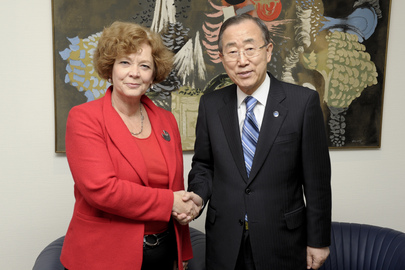 Secretary-General Meets Community of Democracies Secretary General